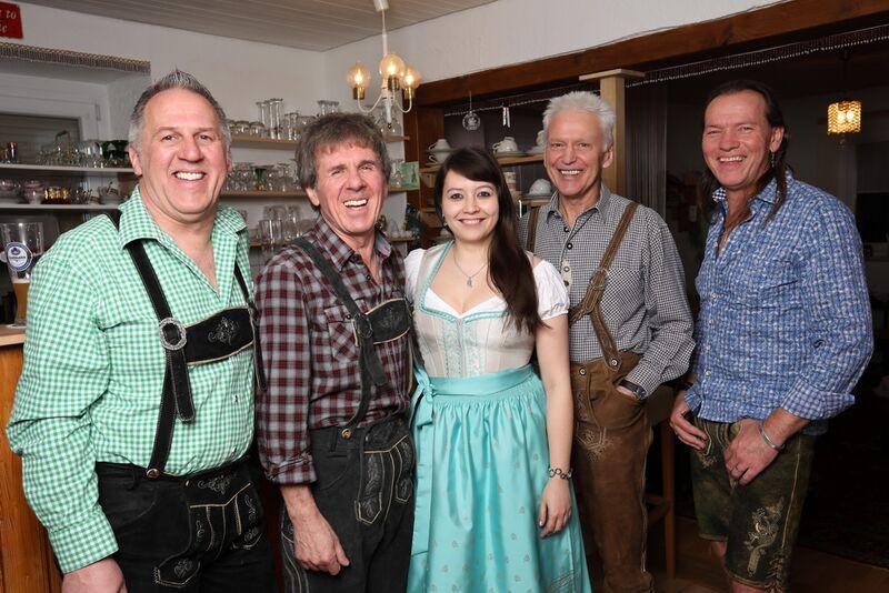 Hochzeitsband Und Dj In Augsburg Buchen